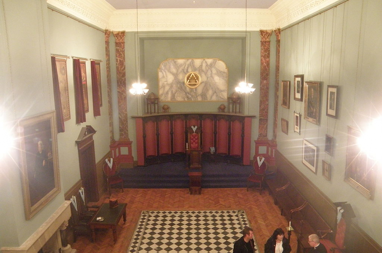 Masonic_Lodge_interior,_Town,_Beamish_Museum